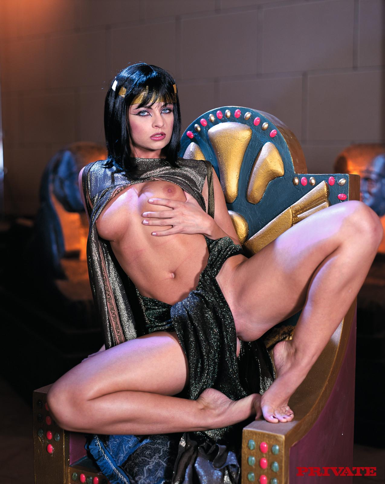 Порно Обнаженная Царица