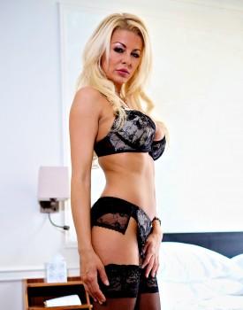 Busty Blonde Milf Tia Layne Swallows a Cumshot-0