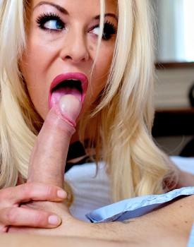 Busty Blonde Milf Tia Layne Swallows a Cumshot-5
