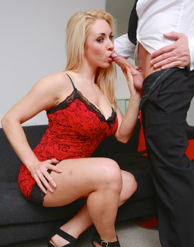 Office Boss Victoria Summers Rides Her Employees Big Dick-2