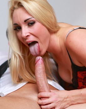 Office Boss Victoria Summers Rides Her Employees Big Dick-4