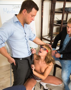 Teen Cutie Sofi Goldfinger Gets Gangbanged -5