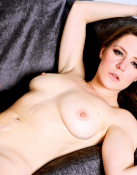 Sex Toys Make Samantha Bentley Wet and Horny-11