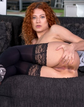 Stasy Riviera, the redhead maid hungry for cum-2
