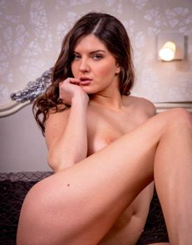 Francesca di Caprio, model enjoys anal with the photographer -0