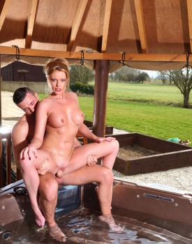 Busty Blonde Milf Holly Kiss Gets Wet & Wild in a Jacuzzi-5