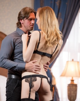 Belle Claire Takes a Creampie in a Mansion-4