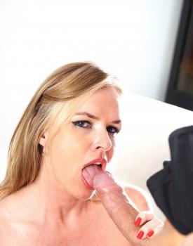 Experienced Cougar Summer Rose Gets a Big Facial-1