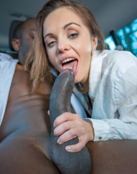 Dominica Phoenix takes interracial anal without leaving the taxi-0