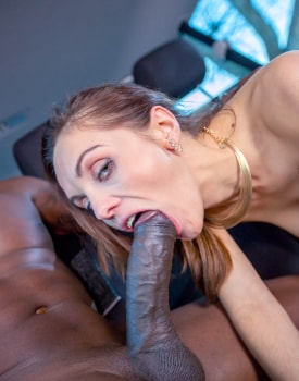 Dominica Phoenix takes interracial anal without leaving the taxi-5