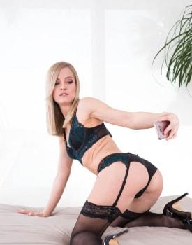 Model Sicilia Takes Cock For Social Media Fame-1