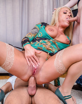 MILF Rebecca Jane Smyth Hungry for DP-7