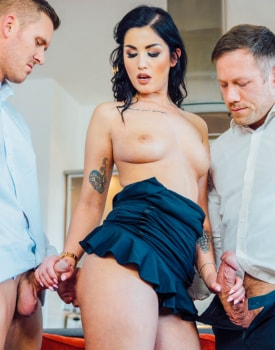 Loren Minardi debuts with a DP and Anal threesome-4