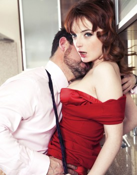 Housewife Lola Gatsby Drains Cum in the Kitchen-3