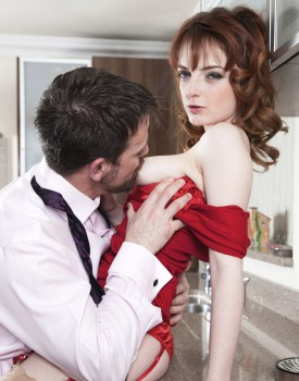 Housewife Lola Gatsby Drains Cum in the Kitchen-4