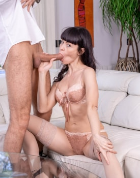 Sasha Colibri debuts in Private with an anal-3