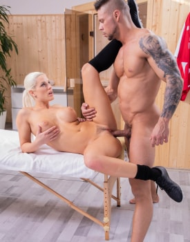 Blanche Bradburry receives an anal massage -8