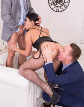 Jessica Lincoln, hardcore threesome with squirting and DP -2