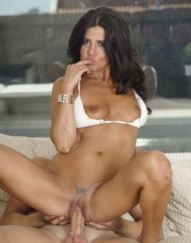 Milf aw Soraya Rico is a Mum Who Loves Cum -7
