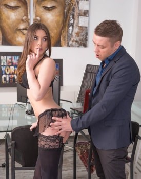 Evelina Darling, addicted to lingerie and anal sex -3