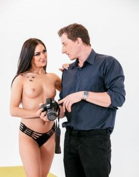 Model Lullu Gun fucks photographer-3