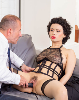 Private Babe Stacy Bloom Learns to Squirt-6