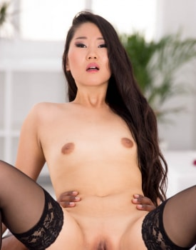 The Asian Katana in her first interracial-7