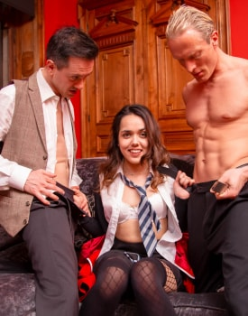 Latina Esperanza del Horno debuts at Private with her first DP-5