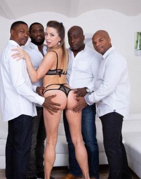 Paulina Soul debuts in interracial gangbang-4
