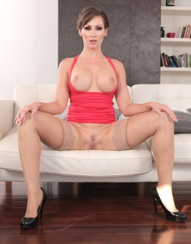 Milf Yasmin Scott Has Her First Anal in a Threeway-10
