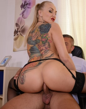 Milf Secretary Kayla Green Has Anal With Boss-7