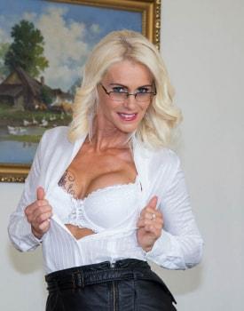Milf Secretary Dyana Hot Fucks Her Boss in the Office-0