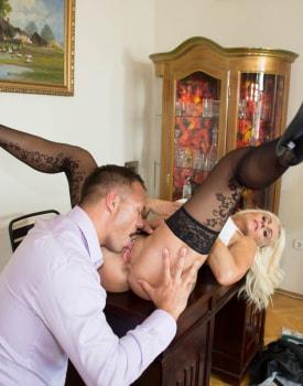 Milf Secretary Dyana Hot Fucks Her Boss in the Office-4