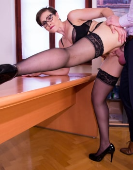 Yasmin Scott MILF and Secretary Gets Cum on Her Glasses-4