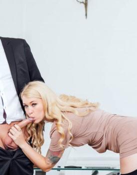 Secretaries Misha Cross and Carmel Andersson in anal threeway-2