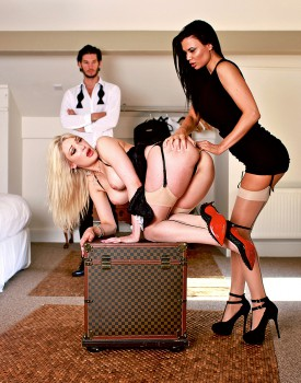 Jasmine Jae & Slutty Maid Tamara Grace Get Off in a Hot Threeway-3