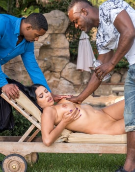 Kira Queen, interracial threesome in the garden-1